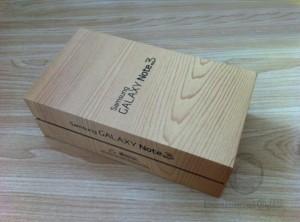 gambar diambil dari http://i00.i.aliimg.com/wsphoto/v0/1777617690_4/16GB-Samsung-Galaxy-Note-3-Note-iii-N9000-Brand-New-Black-Original-Empty-Box.jpg